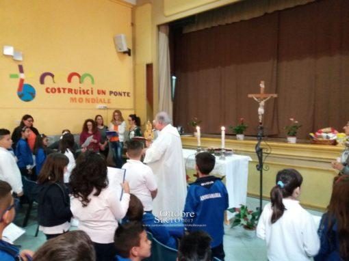 """Visita del Reliquiario della Madonna delle Lacrime presso l'Istituto """"Maria Ausiliatrice""""."""
