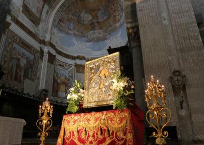 03-10-18-madonna-elemosina-in-cattedrale1
