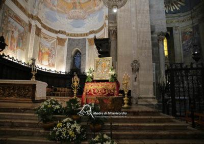 03-10-18-madonna-elemosina-in-cattedrale10