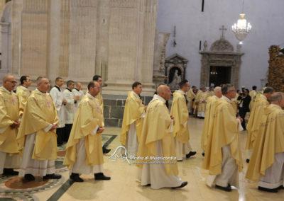 03-10-18-madonna-elemosina-in-cattedrale21