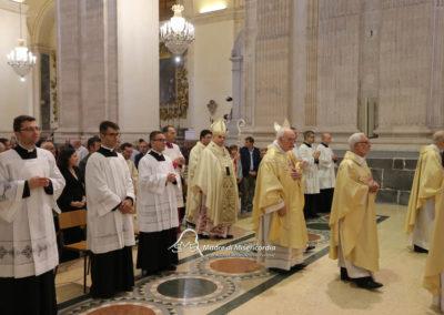 03-10-18-madonna-elemosina-in-cattedrale23