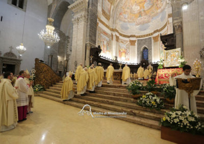 03-10-18-madonna-elemosina-in-cattedrale24