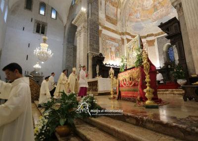 03-10-18-madonna-elemosina-in-cattedrale25