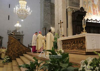 03-10-18-madonna-elemosina-in-cattedrale27