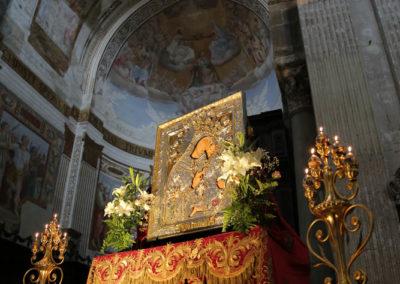 03-10-18-madonna-elemosina-in-cattedrale3
