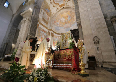 03-10-18-madonna-elemosina-in-cattedrale31
