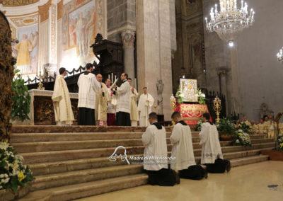 03-10-18-madonna-elemosina-in-cattedrale33
