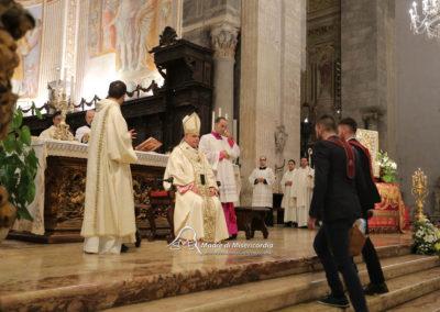 03-10-18-madonna-elemosina-in-cattedrale38