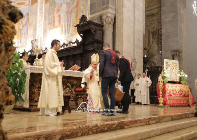 03-10-18-madonna-elemosina-in-cattedrale39