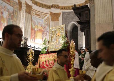03-10-18-madonna-elemosina-in-cattedrale46