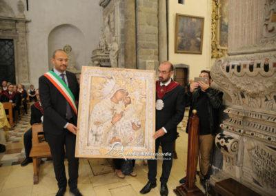 03-10-18-madonna-elemosina-in-cattedrale49
