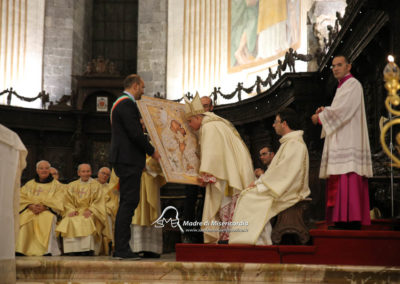 03-10-18-madonna-elemosina-in-cattedrale55