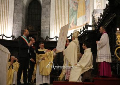03-10-18-madonna-elemosina-in-cattedrale59