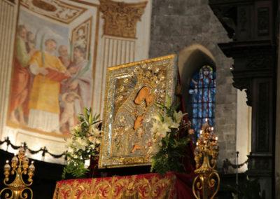 03-10-18-madonna-elemosina-in-cattedrale6