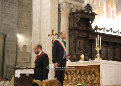 03-10-18-madonna-elemosina-in-cattedrale61