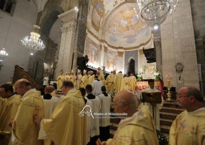 03-10-18-madonna-elemosina-in-cattedrale62