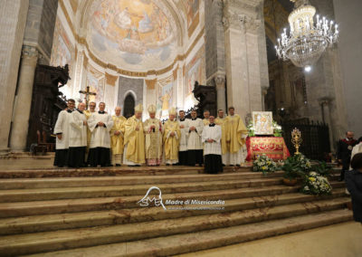 03-10-18-madonna-elemosina-in-cattedrale63