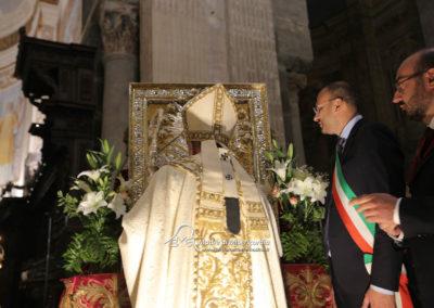 03-10-18-madonna-elemosina-in-cattedrale68
