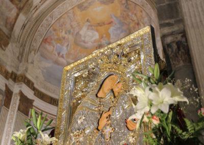 03-10-18-madonna-elemosina-in-cattedrale72