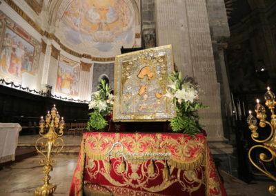 03-10-18-madonna-elemosina-in-cattedrale75