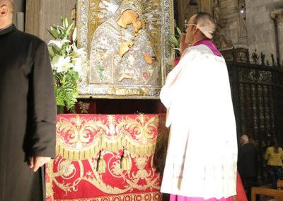03-10-18-madonna-elemosina-in-cattedrale81