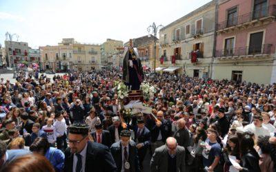 L'AMORE DOLOROSO. La processione della Madre Addolorata