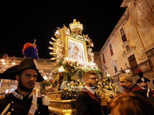 Celebrazione Eucaristica e Processione con l'Icona di Maria SS. dell'Elemosina