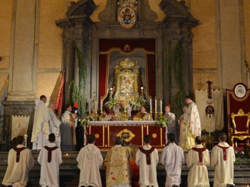 Solenne Pontificale presieduto da S. E. Rev.ma Monsignor Giuseppe Sciacca e Processione dell'Icona di Maria SS. dell'Elemosina