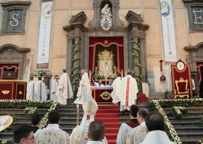 pontificale53